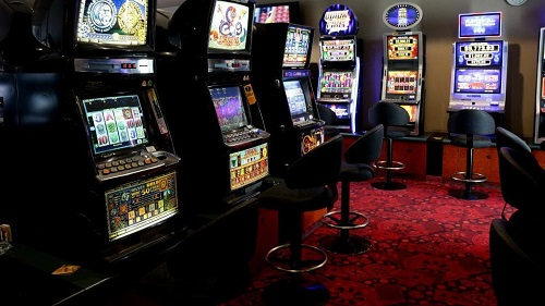 Hamilton Councillor Slams Skycity Slot Games