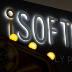 iSoftBet Lands a Hand in Jinni Lotto's Casino Online Debut